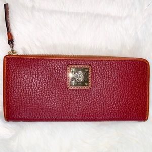 NWOT Dooney & Bourke pebbled leather wallet